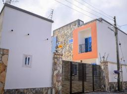 2 bedroom house for rent at East Airport