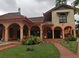 5 bedroom house for rent at Dzorwulu