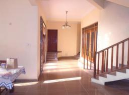 6 bedroom house for sale at Aplaku