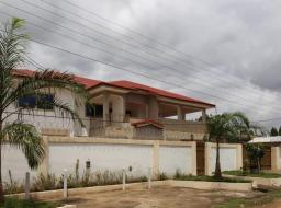 6 bedroom house for sale at Spintex