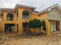4 bedroom townhouse for rent at East legon American House