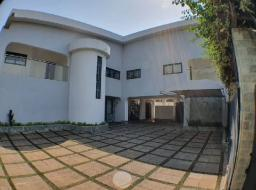 5 bedroom house for rent at Abelemkpe Accra