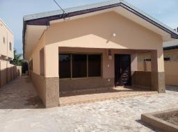 2 bedroom house for rent at Tse Addo