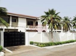 10 bedroom house for rent at Labone
