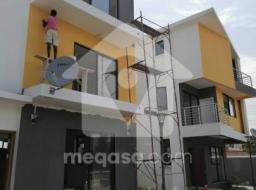 3 bedroom townhouse for rent at Tse Addo