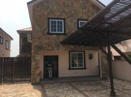3 bedroom house for rent at Airport