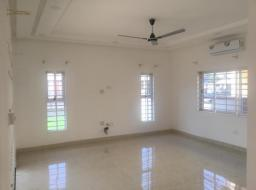 3 bedroom townhouse for rent at Spintex