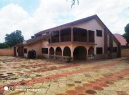 10 bedroom house for rent at Agbogba