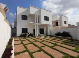 4 bedroom house for sale at East Airport