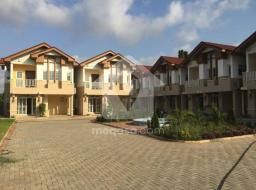 3 bedroom townhouse for rent at Airport Area