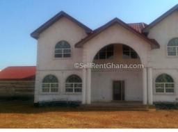 5 bedroom house for sale at Adjiringanor