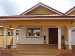 3 bedroom house for rent at Baatsona