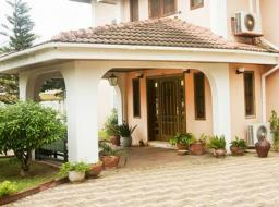 4 bedroom house for sale at Labone
