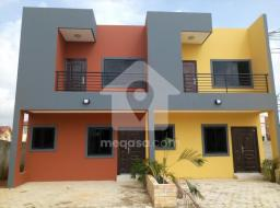 2 bedroom townhouse for sale at Spintex