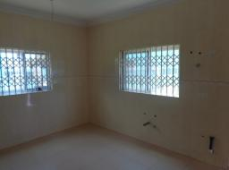 5 bedroom apartment for sale at Spintex