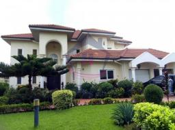 5 bedroom multi Family House for sale at Trasacco