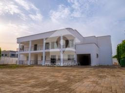 6 bedroom house for sale at Adjiriganor