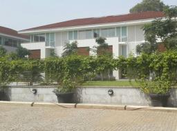 4 bedroom townhouse for rent at North Ridge