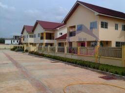 4 bedroom townhouse for rent at Pantang