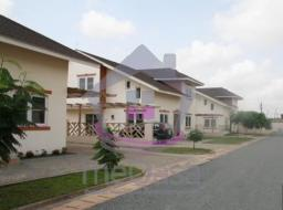 4 bedroom furnished townhouse for rent at Adjiringanor