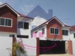 4 bedroom house for rent at Airport Area