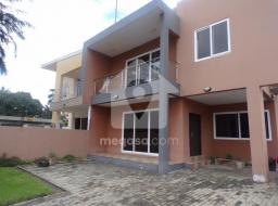 4 bedroom apartment for rent at Labone