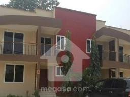 3 bedroom townhouse for rent at Accra