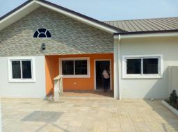 2 bedroom house for rent at Oyarifa Road
