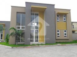 3 bedroom townhouse for rent at Adjiringanor