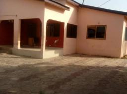 3 bedroom house for rent at Spintex ecobank
