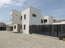4 bedroom townhouse for rent at Labone