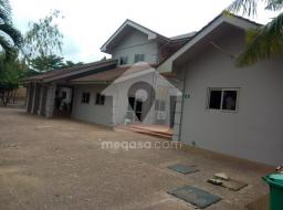 11 bedroom house for rent at Accra