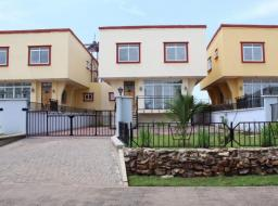 4 bedroom townhouse for rent at Airport Hills