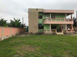 6 bedroom house for rent at Haatso