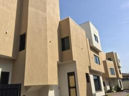 5 bedroom apartment for rent at Dzorwulu