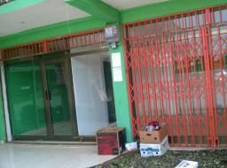 2 room shop for rent at New Achimota