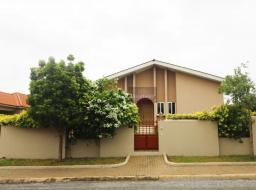 3 bedroom house for rent at East Airport