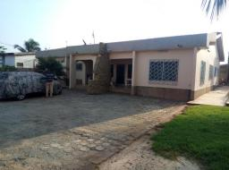 6 bedroom house for sale at Accra,nungua