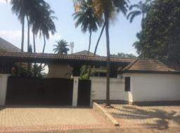 6 bedroom house for sale at Airport