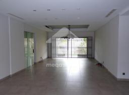 3 bedroom apartment for rent at Labone