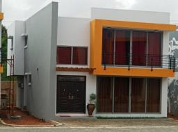 2 bedroom townhouse for rent at Trasacco