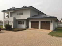 4 bedroom house for rent at Sakumono