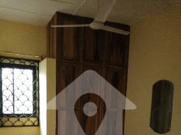 5 bedroom house for sale at Oyibi sasabi
