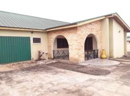 2 bedroom house for rent at West Trasacco