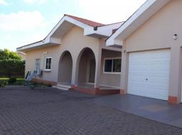 4 bedroom house for rent at East Airport Regimanuel diamond gate 1