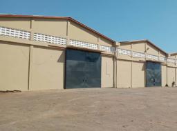 warehouse for rent at Spintex