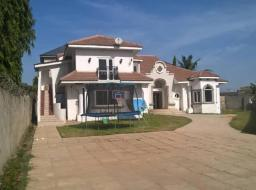 7 bedroom house for sale at Accra