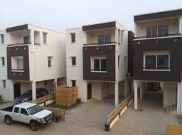 3 bedroom townhouse for rent at East airport tseddo