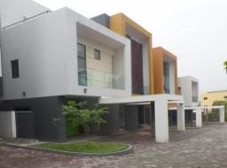 3 bedroom townhouse for rent at Airport