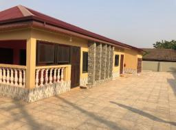 3 bedroom house for sale at Ashiyie